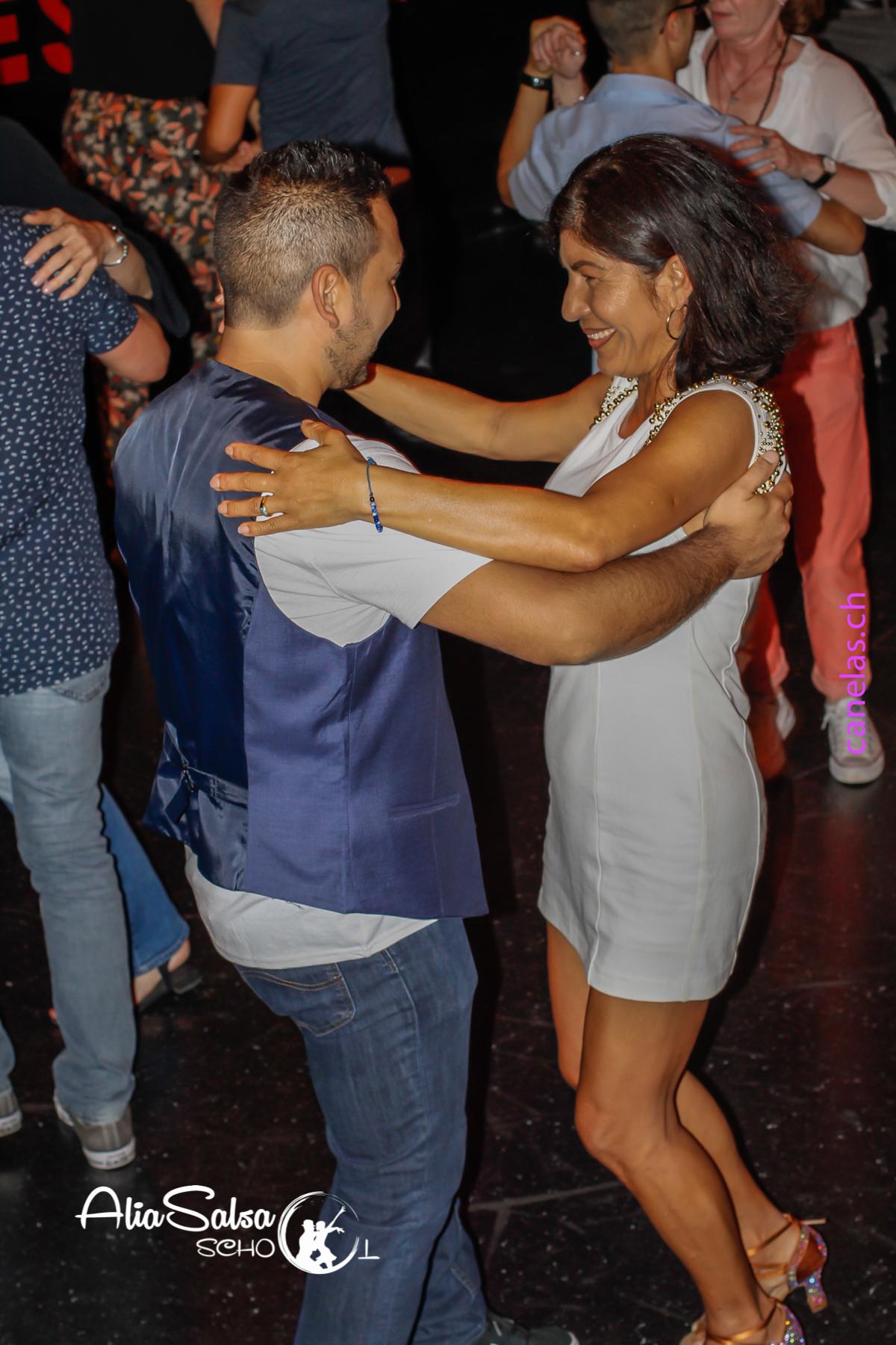 AliaSalsa ecole de danse lausanne soiree bachata salsa cubaineAlia Salsa Soireé Salsa - Bachata